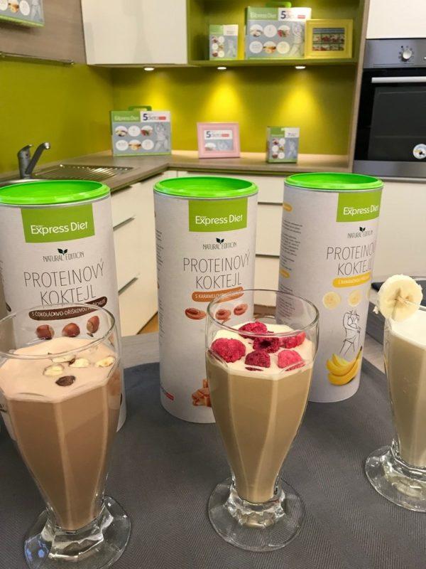 Proteinový koktejl Express Diet s obsahem kvalitního hrachového proteinu vhodný i pro vegany.