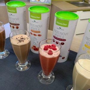Proteinové koktejly Express Diet bohaté na bílkoviny s obsahem kvalitního hrachového proteinu.